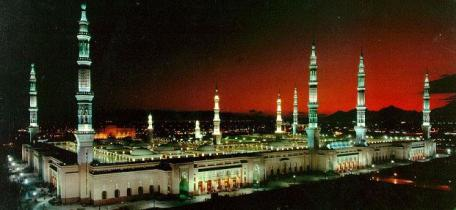 prophets-mosque-full-view-at-night_madena.jpg