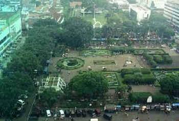 alun-alun-bandung-wwwasiatravellingnet