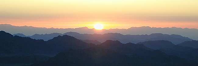 sunrise_from_jebel_musa2tbn0304001
